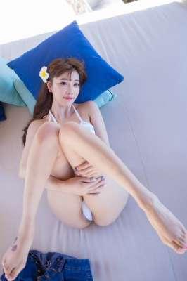 气质女神白嫩玉腿