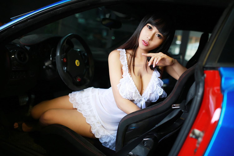 汽车美工坊特约美女
