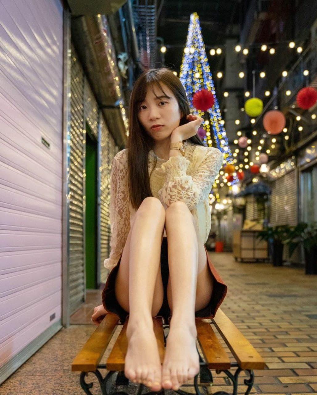 这么好看的美人美脚 真是让人垂涎三尺