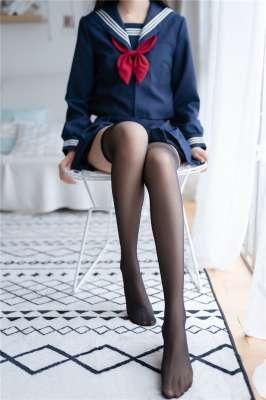 水手装黑丝小姐姐写真
