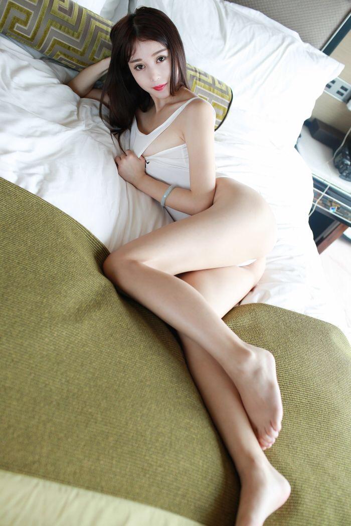 气质少女大秀美臀巨乳