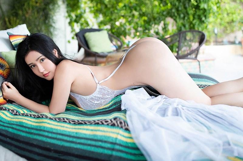 绝美少妇玛鲁娜丰乳肥臀柔媚动人模样