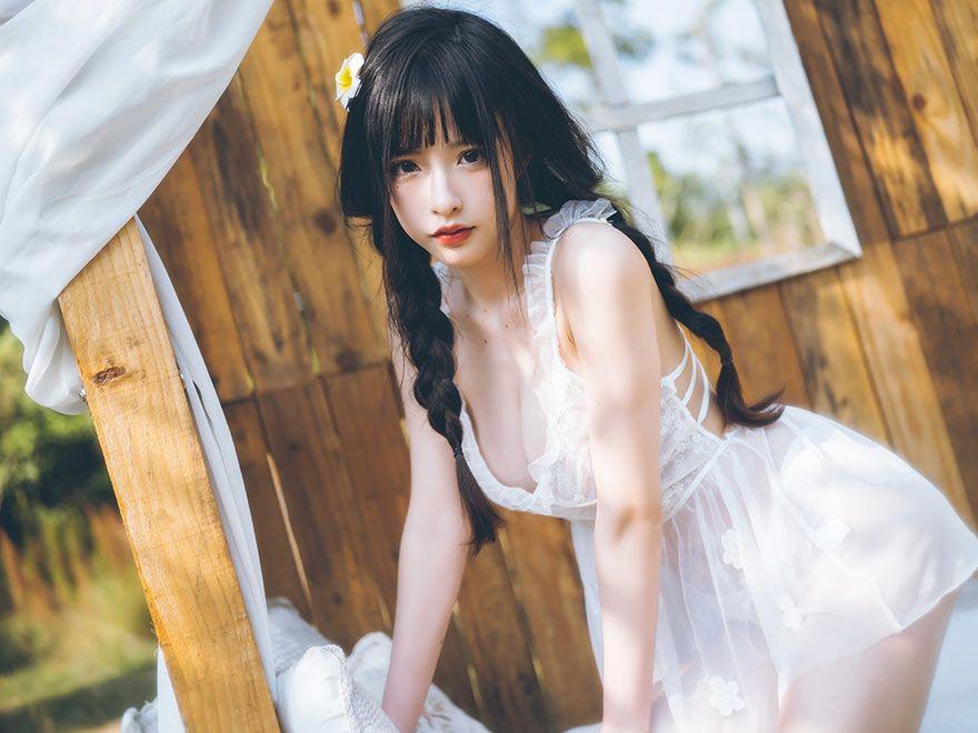 白裙清纯小姐姐农庄写真