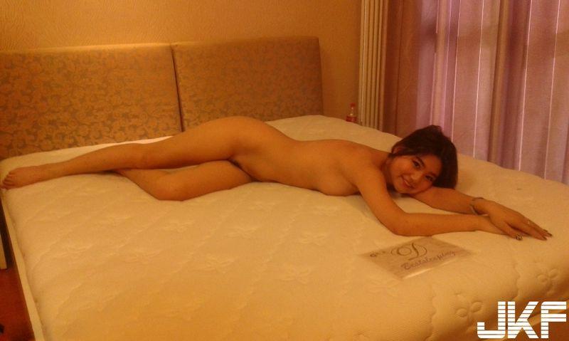 新人嫩模小娇超尺度全裸私拍