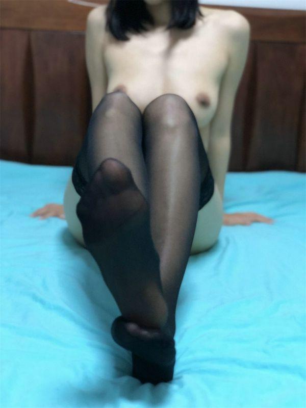 黑丝美脚诱惑