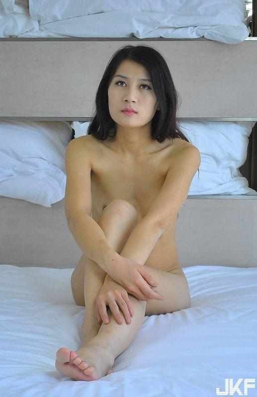 华模特辑轻熟国模卓顔精品大尺度私拍