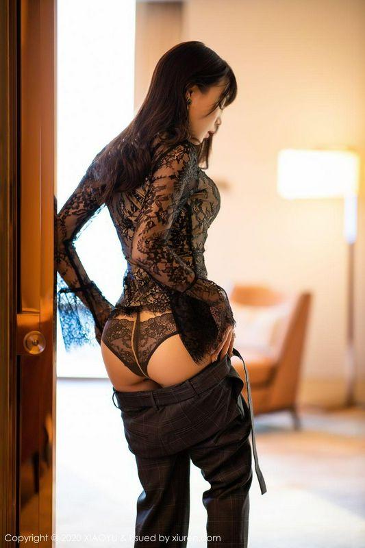 绝色妖娆的小姐姐褪下职业装后的性感蕾丝诱惑