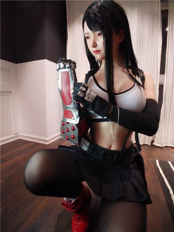未来女警吸引姿态